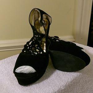 Apple Bottom 5 inch heels